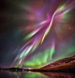 iceland s northern lights takes stunning pictures of
