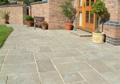 courtyard paving grey oakham pattern patio pack