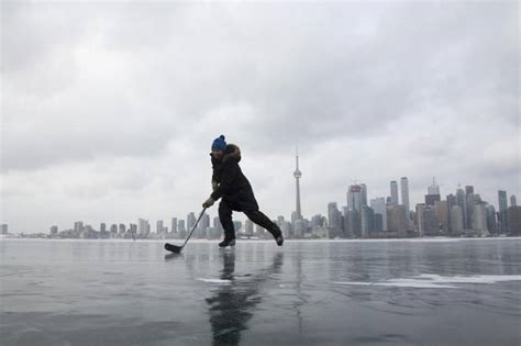 It Is Cold In Toronto Aka I Boots Wonderbalm by Fourteen Cold Facts About Toronto S Frigid Weather