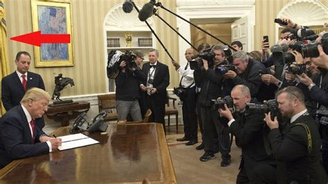 trump redesign oval office libs attack trump over one oval office change then