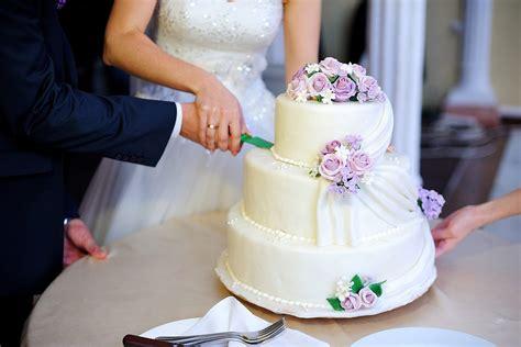Hochzeitstorte 10 Personen by Was Kostet Eine Hochzeitstorte Liebe Zur Hochzeit