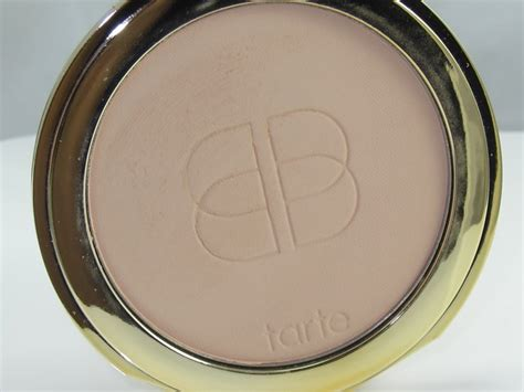 tarte light medium neutral tarte confidence creamy powder foundation review