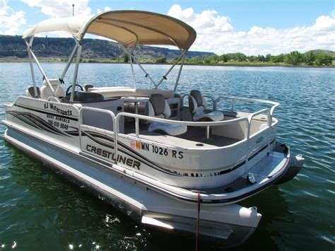 12 person pontoon boat 12 person crestliner pontoon boat pontoon boats