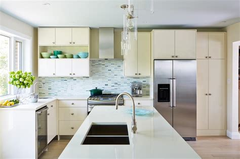 homelife 11 things people with spotless houses do every day 6 things people with super clean homes do every day hgtv