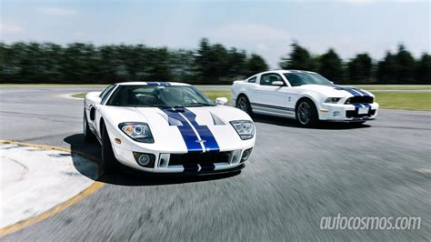 Cobra Auto Pe As Cinas by Ford Mustang Shelby Gt500 Vs Ford Gt Comparativa