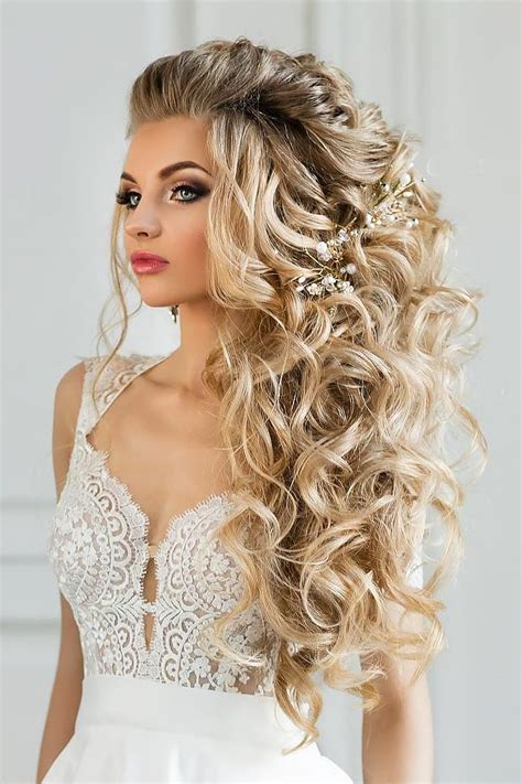 Best Hairstyles For Wedding by Best 25 Unique Wedding Hairstyles Ideas On