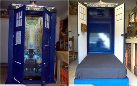 tardis bed geeky bedrooms that are too cool to resist 34 pics