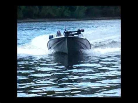 Lu Zx250 bass boat stratos evenrude 225 ram doovi