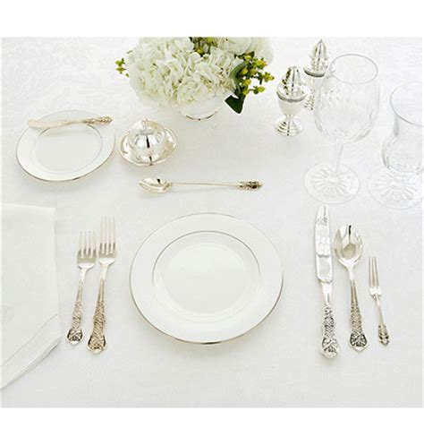 Lunch Table Setting Setting Your Table For The Holidays Trendy Tree Decor Inspiration Wreath