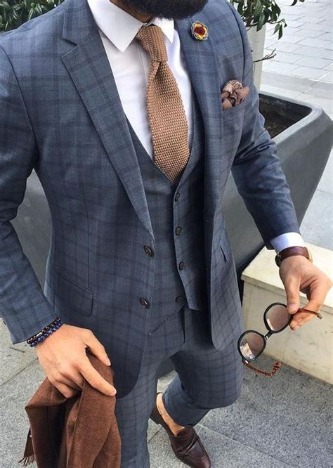 pattern shirt with dark gray suit grey windowpane suit and blue tie mens suits tips