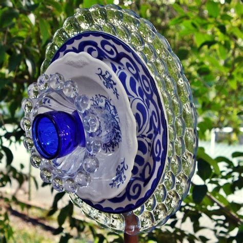 Garden Flower Art Blue Glass Plate Flower Garden Yard Art Flower Plate Garden