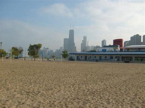 boat rentals north chicago north ave beachhouse chicago illinois