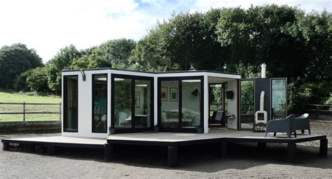 barry jackson reveals the compact and modular hivehaus