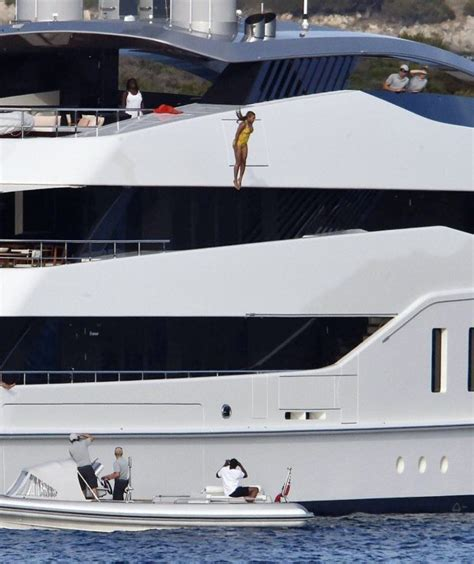 Beyonces On A Yacht by Beyonce Just Jumped A 30ft Yacht To Get The Most Epic