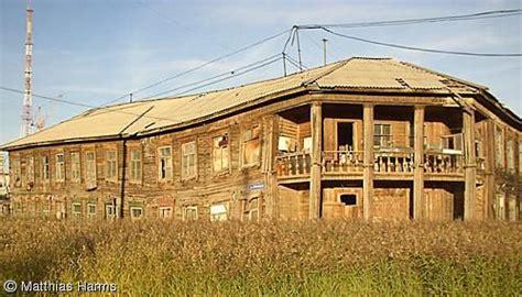 russisches holzhaus auricher wissenschaftstage jakutien 25 08 2004