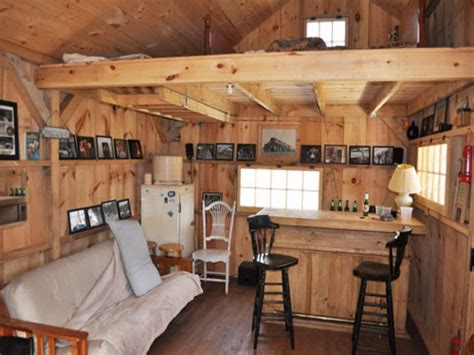 Small Log Home Interiors by Small Cabin Furniture Inside A Small Log Cabins Small