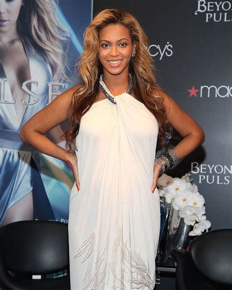 Beyonce Wedding Gown by Beyonce S Wedding Gown Images Beyonce S Grammy Awards