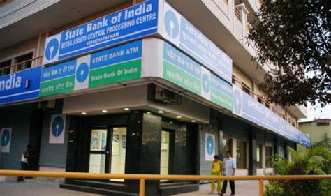 sbi correspondent banks sbi will charge rs 25 on all atm withdrawals from