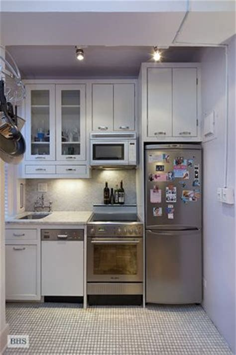 appliances for small kitchens best 25 tiny kitchens ideas on pinterest tiny home