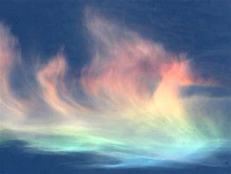 rainbow cloud rainbow cloud alert seen japan before earthquake earthchangers college