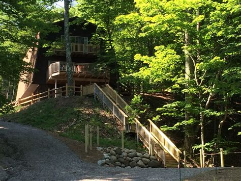 tunnel of trees bluff chalet with on vrbo