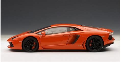 lamborghini aventador lp700 4 in orange 1 18 autoart 74665 lamborghini aventador lp700 4 arancio argos orange 1 18