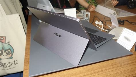 Asus Laptop Vs Surface Pro 3 asus transformer 3 pro vs microsoft surface pro 4 what s the difference gearopen