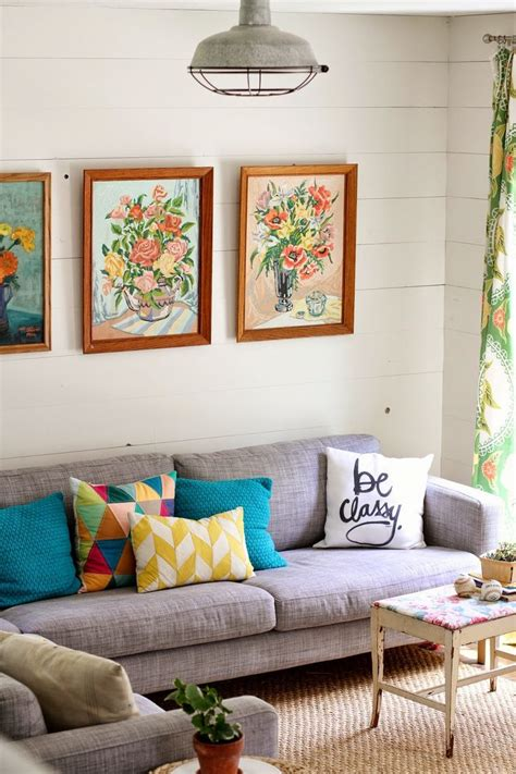 floral couch living room 17 best ideas about floral couch on pinterest colorful