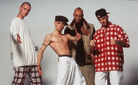 Kaos Day 17 boyband battle take that vs east 17 features clash