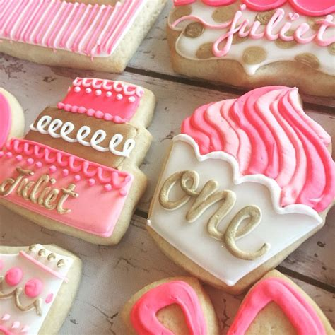 Cookie Decorations Birthday by 25 Best Ideas About Birthday Cookies On Royal