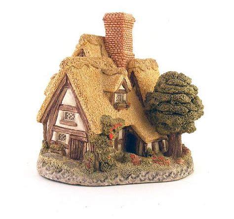 pilgrim s rest david winter cottage figurine christmas