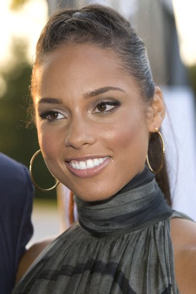 different hair styles from alicia keys alicia keys different hairstyle pictures fashion celebrity
