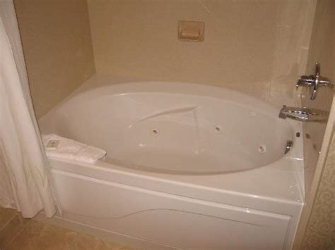 bathtub hotel whirlpool tub picture of comfort suites lake george