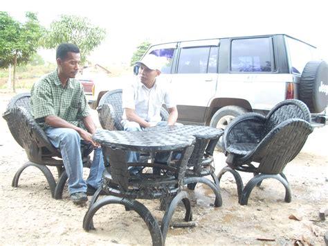 Kursi Taman Bekas menyulap ban lori bekas jadi kursi taman apa kabar dunia
