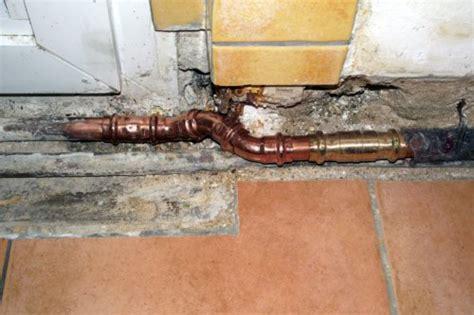 Wasserschaden Wand Was Tun by Wasserschaden In Der Wohnung Was Tun