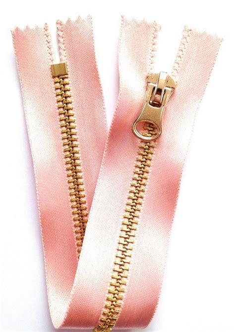 membuat gelang aksesoris aksesoris zipper rose dari resleting dan cara membuatnya