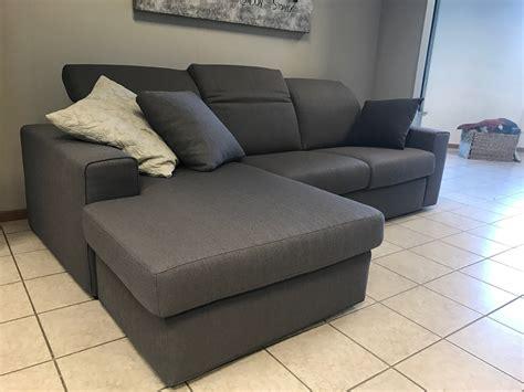 divani chaise longue prezzi samoa divano chaise longue offerta divani a prezzi scontati