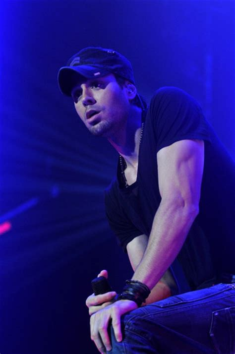 enrique and pitbull concert 2015 enrique iglesias in concert pictures zimbio