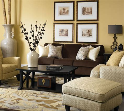 Brown Sofa In Living Room 652 Cbell Blend Of Brown Sofa With Light Colored Chair Blending With