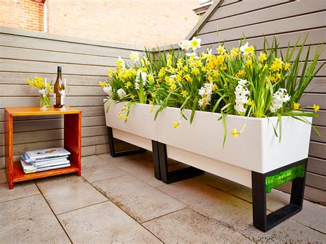 planters plant stands   home depot canada