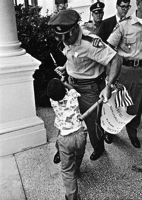 civil rights movement police brutality mississippi matt herron iconic photos