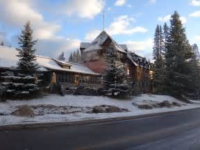 17 best ideas about lake louise lodge on banff