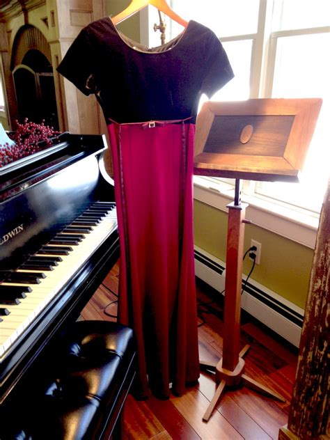 Dress Filia Black musica de filia is auctioning dress worn by kendrick