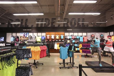Nike By A A Store rise and roll t town nike comes to tuscaloosa nike news