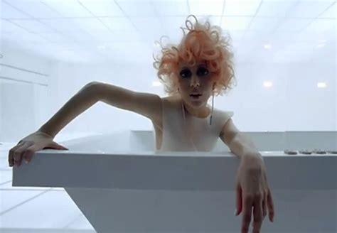 lady in a bathtub video lady gaga bad romance rap up