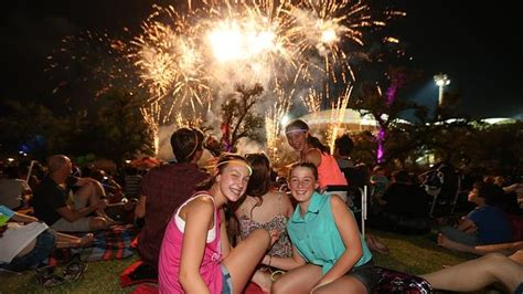 how has new year been celebrated in australia south australia welcomes in 2014 in new year s