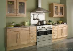 light green kitchen walls sage cuisine mobilier design surface marron coin repas table