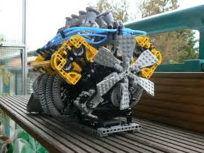 New inventions: LEGO V8 Engine V8