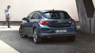 Opel Slovenija Opel Astra 5 Vrat Dinami芻na Kombilimuzina Opel Slovenija