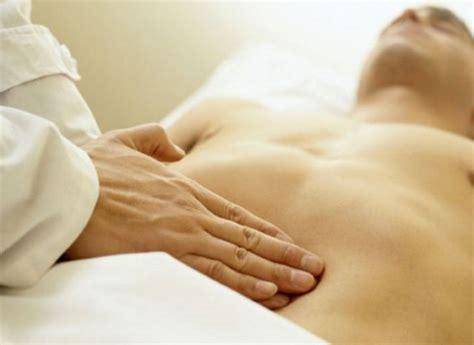 mal di stomaco alimentazione dispepsia gastrica i sintomi la dieta e le cure da seguire